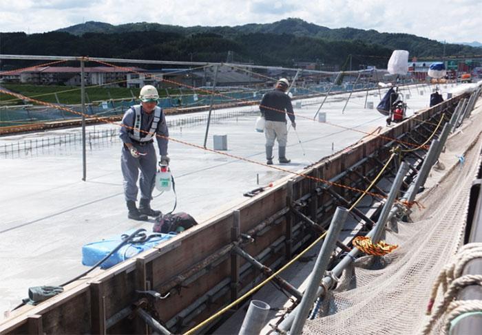 里熊大橋拡幅床板工事